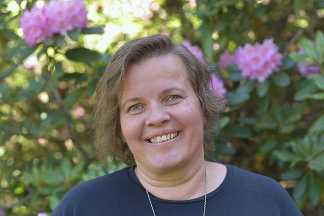 Pamela Granskog bor i Haga där parkerna finns nära.