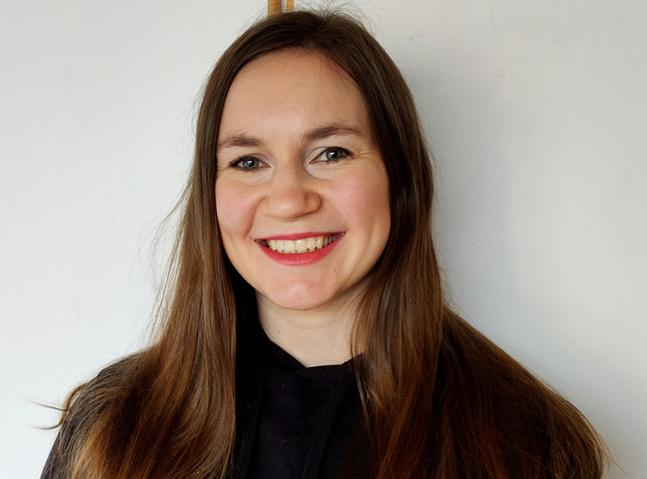 Tova Vikström är församlingssekreterare och informatör.