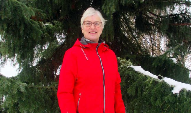Eivor Kronlöf är pensionerad sjukskötare. Aktiv i Kristinestads svenska församling och ordförande i Lappfjärds distriktsråd.