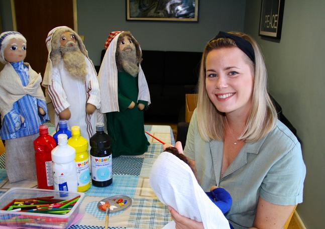 Simone Öhman jobbar med barnverksamheten i Kristinestads församling.