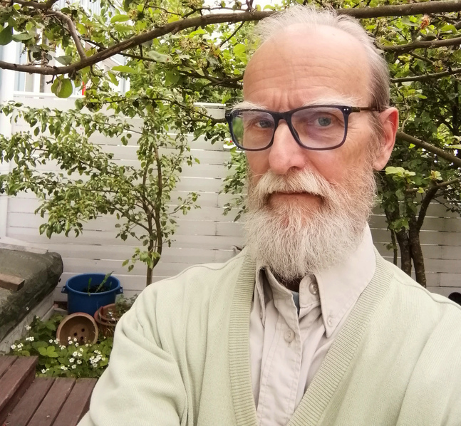 Jarmo Juntumaa har finska som modersmål, men pratar svenska efter att ha jobbat tjugo år i finska församlingen i Stockholm.