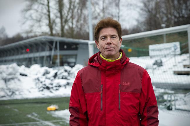 """Idrotten spelar en stor roll i Johan Ekroths vardag. """"Till 99,9 procent har fotbollen räddat mitt liv. Resten kommer uppifrån."""""""