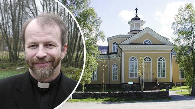 Tre sägs upp i Kronoby församling, meddelar kyrkoherde Anders Store idag.
