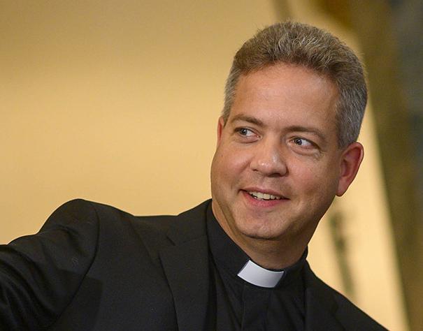 Frågan om vigsel av samkönade par är en fråga som nästa kyrkomöte tar ställning till, konstaterar Lucas Snellman.