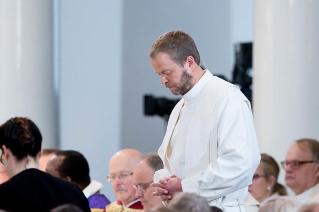 Teemu Laajasalo är biskop i Helsingfors. Bilden är från hans biskopsvigning.