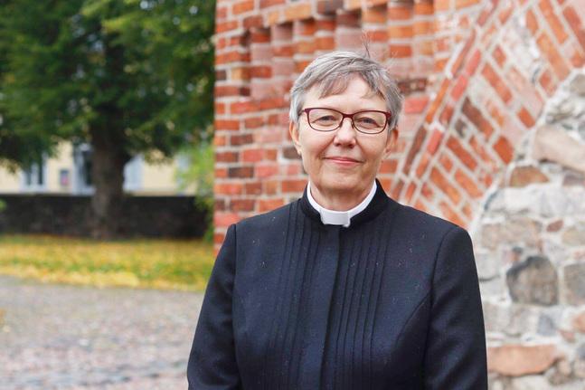 Maria Björkgren-Vikström är församlingspastor i Åbo svenska församling.