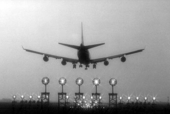 Att undvika flygresor är ett av de effektiva sätten att vara klimatsmart.