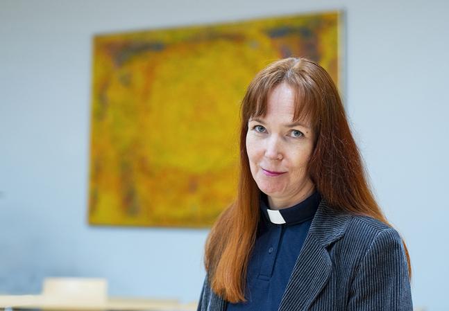 Sonja Jakobsson är studentpräst i Helsingfors, tisdagar på Hanken och torsdagar på Arcada. Från årsskiftet även på Soc&kom och Helsingfors universitet.