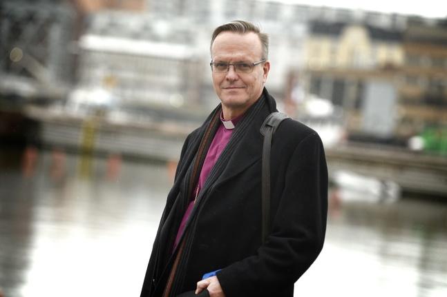 Tapio Luoma uppskattar erfarenheterna både från de österbottniska församlingarna och den urbana miljön som biskop i Esbo stift.