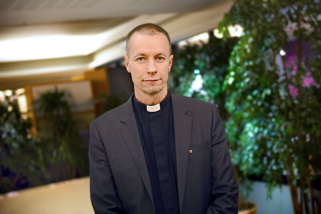 Ville Auvinen talar flytande svenska tack vare studierna vid Åbo Akademi.