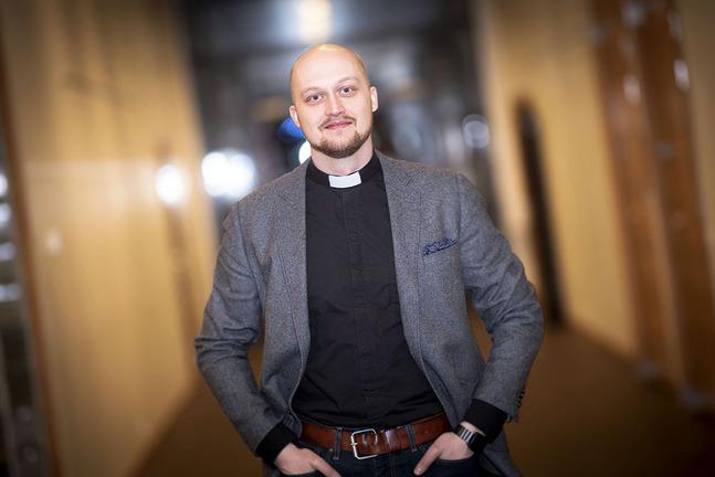 Niklas Wallis är för tillfället tf. kaplan i Kronoby.