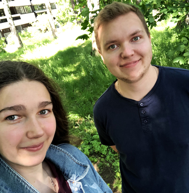 Sofia Palmén och Niclas Lemström är de första holmledarna som jobbar i stan.
