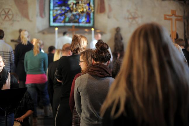 I Borgå stifts olika församlingar har man tagit olika beslut i lägerfrågan.