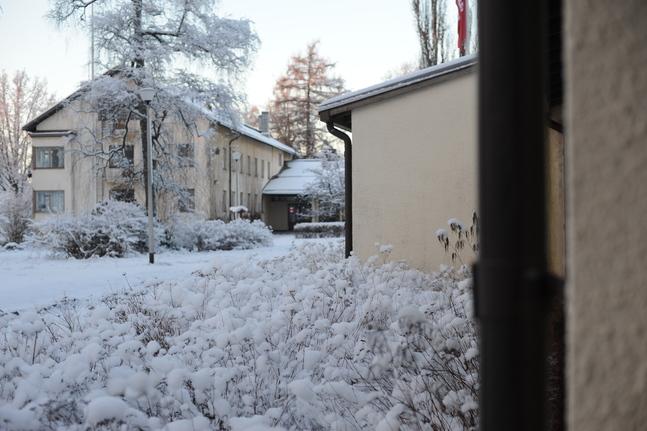Lärkkulla är stiftsgård, kursgård och folkakademi i Karis.