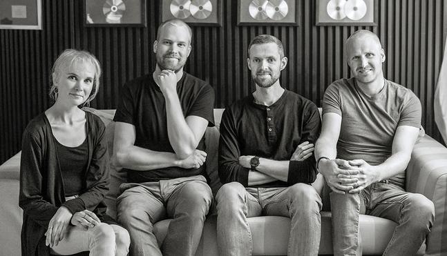 Skivan Möda, vila och behag spelades in under tre intensiva dagar i producenten Janne  Hyötys studio.