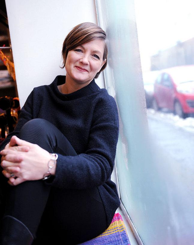 Maria Sundblom- Lindberg känner sig lyckligt lottad över att hon får jobba med det hon gör. –Men jag saknar också det kyrkliga och andliga.