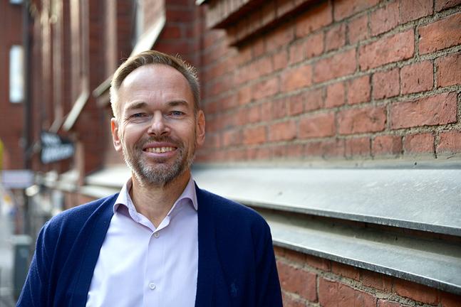 Det blir inte lätt, men det känns rätt, säger Markus Österlund om sitt nya jobb som församlingsledare.