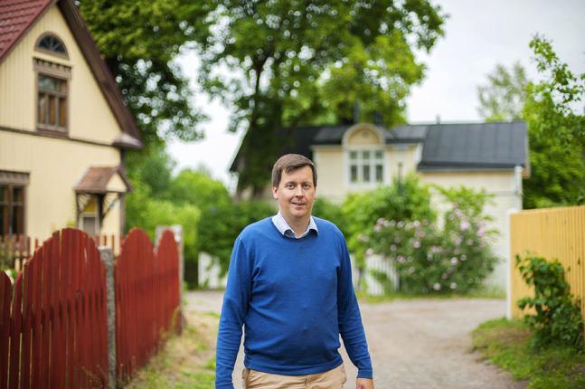 Andreas von Bergmann säger att han vuxit upp med och in i församlingen.