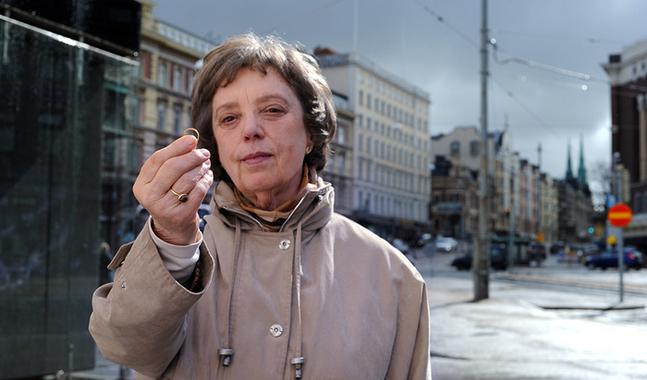 Liisa Tuovinen vill viga homosexuella par � men inte f�rr�n lutherska kyrkan ger gr�nt ljus.
