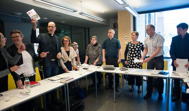 Stiftsfullmäktige sammanträdde i Aurelia i Åbo på fredagen. Framtiden för organet är oviss efter beslutet att utreda om stiftsfullmäktige ska avvecklas.